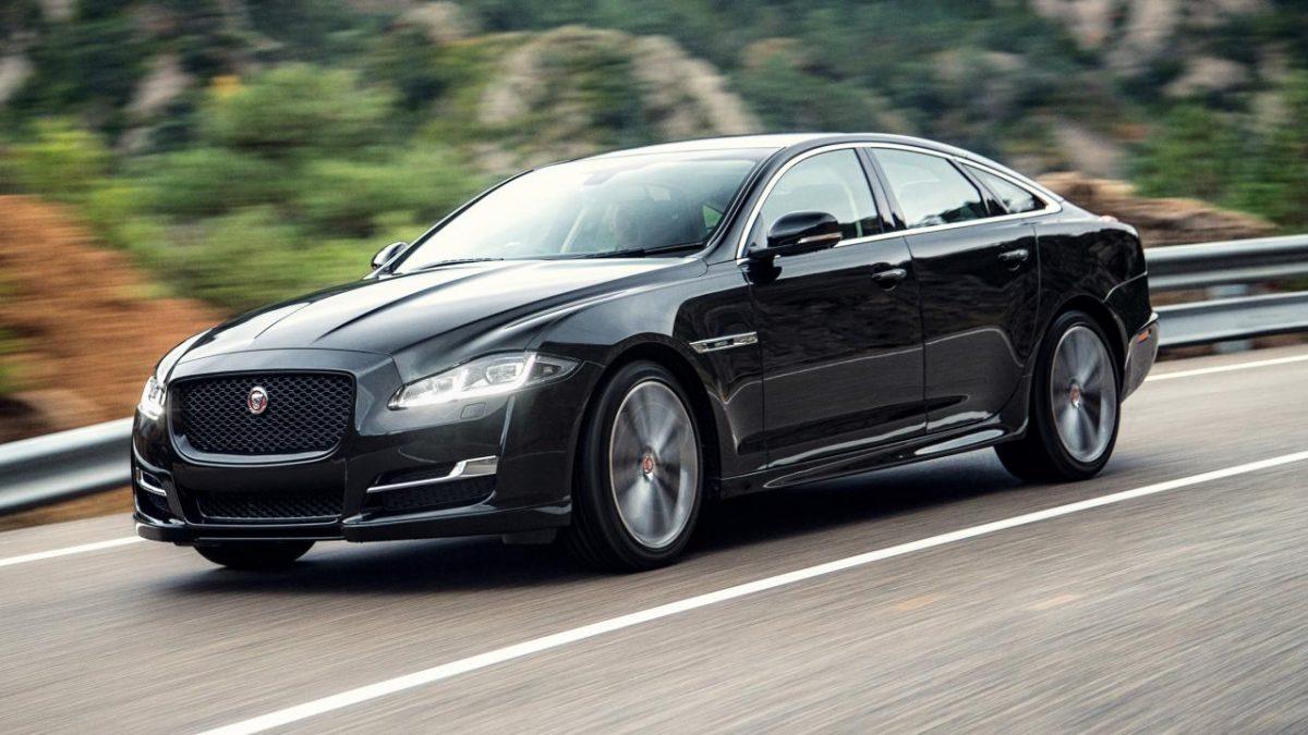Una prova di guida sulla Jaguar XJ
